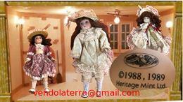 Dispongo di bambole in porcellana