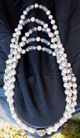 Girocollo degli anni '40 in perle in pasta