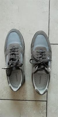 Scarpe NeroGiardini grigie con zip laterale